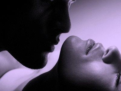 20110218180131-kiss.jpg