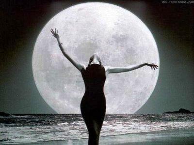 20100904233842-silueta-mujer-luna.jpg