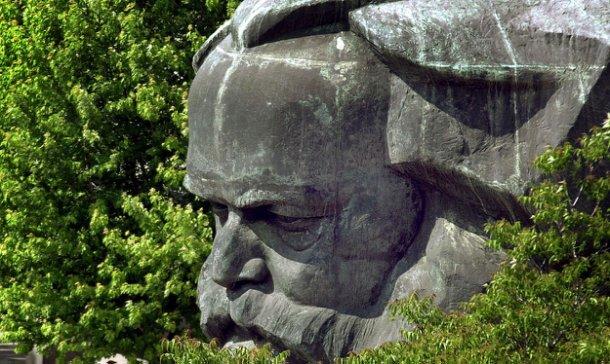 Monumento a Karl Marx elegido para aparecer en las tarjetas de crédito. AP