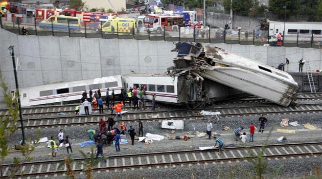 Al menos 45 muertos en un accidente de tren en Santiago