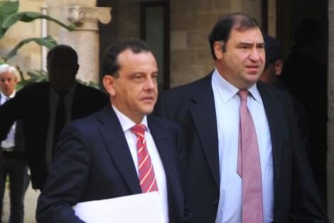 Los fiscales anticorrupción Pedro Horrach (izqda.) y Juan Carrau. | Alberto Vera
