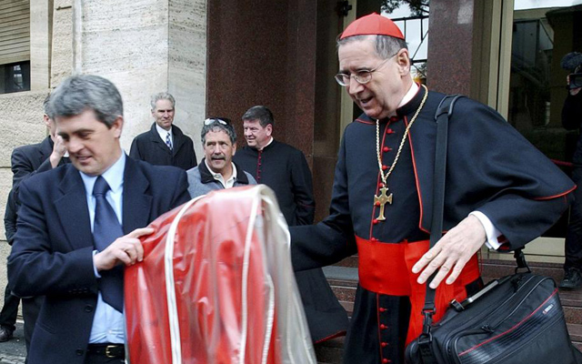 El cardenal estadounidense Roger Mahony. | Reuters